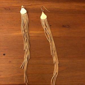 Jewelry - Gold fringe earrings